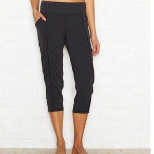 Lucy Dark Gray Ruched Get Going Capri Lounge Pants
